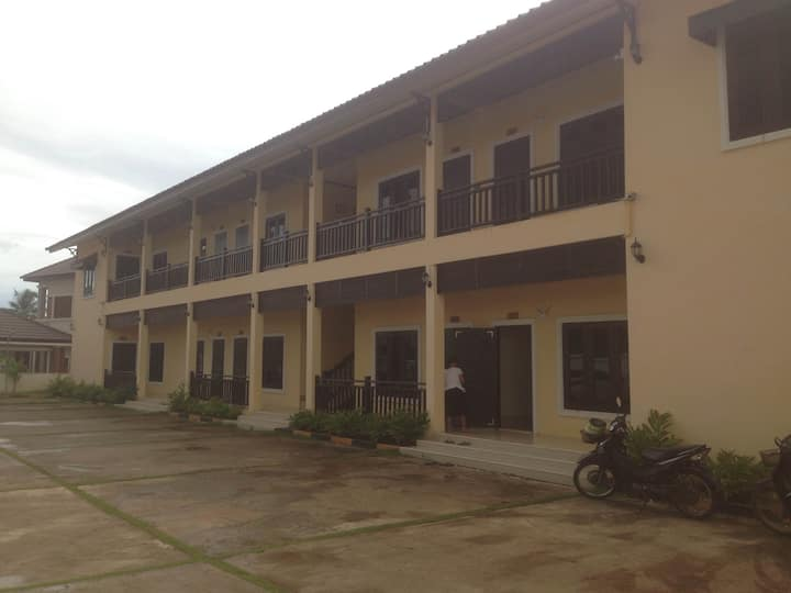 Brand new apartment near Patuxay