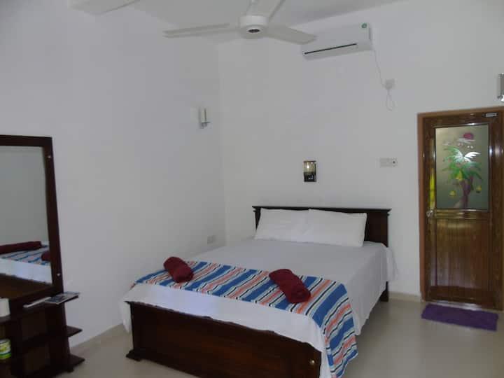 Deluxe Double Room in Eco Villa - Sinharaja