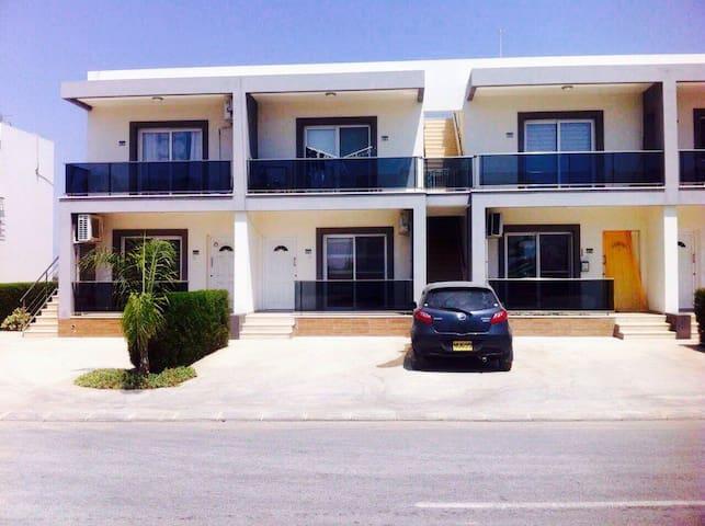 Односпальные апартаменты на Северном Кипре на море - Фамагуста - Leilighet