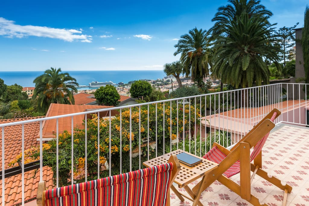 First floor balcony to enjoy the view over Funchal bay area.