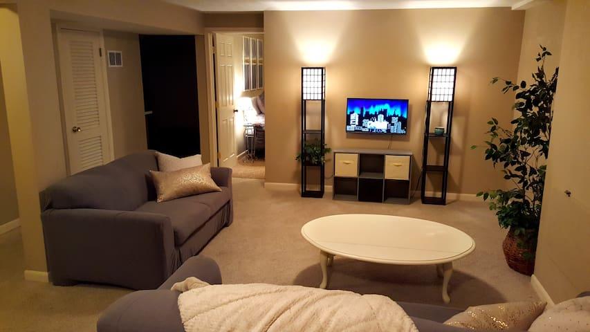 Private Getaway Suite Right Off Hwy - Omaha - Rumah