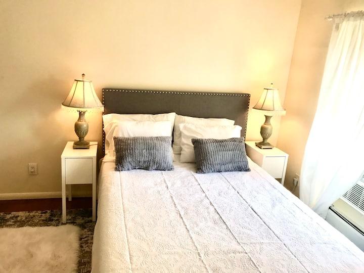 Private Room, Bay Shore, New York
