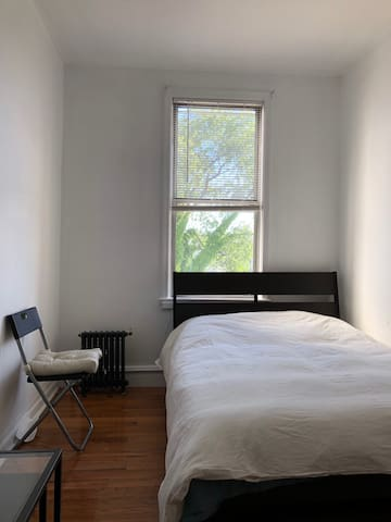 Standalone room in the heart of Astoria