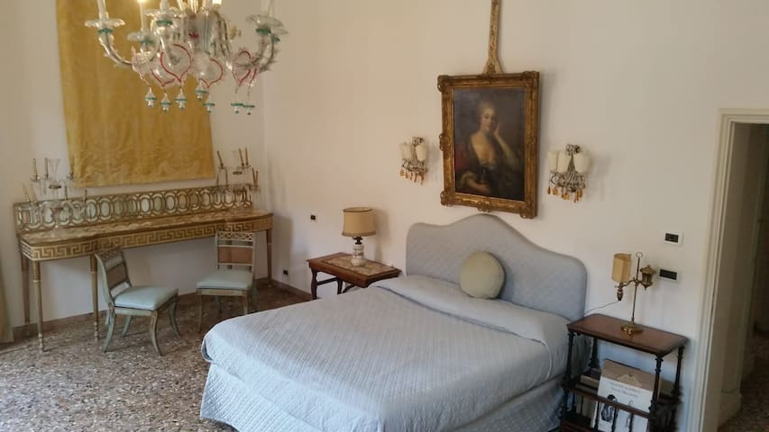 Apartment with balcony in the heart of San Marco