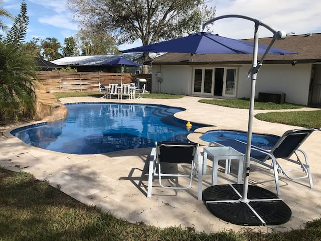Ft. Myers/Okeechobee AreaVacationHome Heated Pool