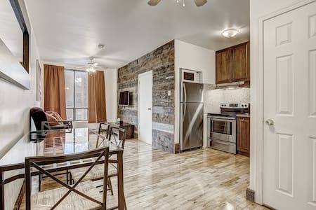 Destination Loft Minutes from Downtown #104 - Μόντρεαλ
