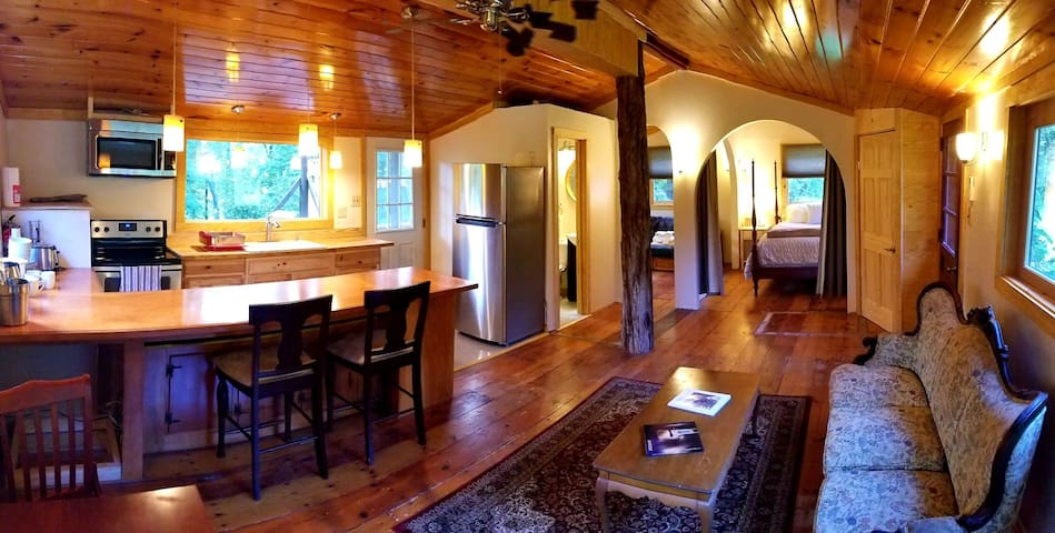 Secluded Farmview Cottage at White Lotus