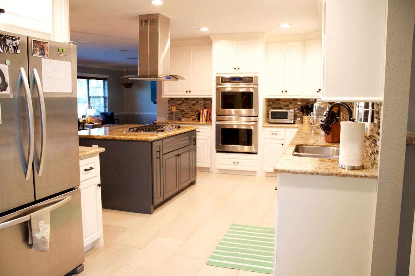 Open concept- Large Full Kitchen