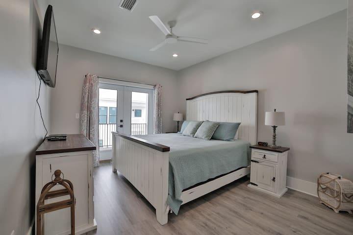 King Suite 3 - 2nd Floor