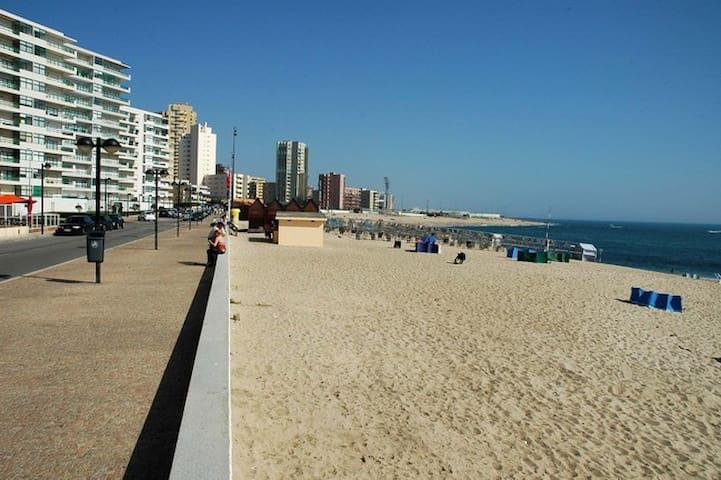 Apartamento tranquilo em aver o mar