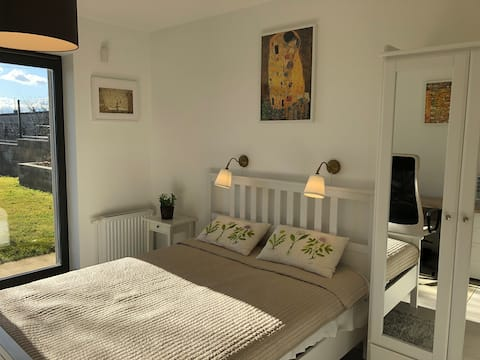Green appartment, close to Budapest