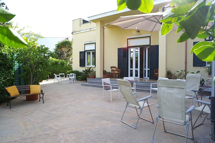 Villa Flores, in the heart of Mondello