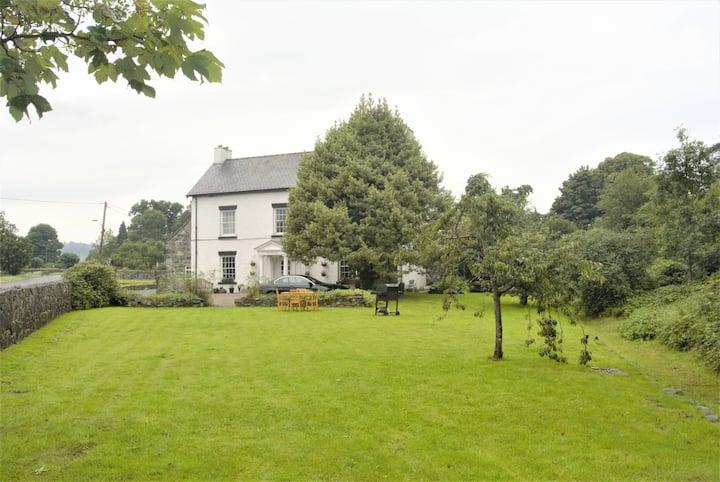 Pen Isa'r Llan Farm Holiday Home