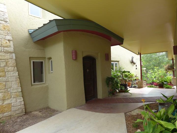 Patterson Paradise - Zen Strawbale Home