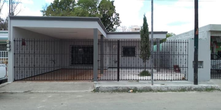Casa ixchel private parking , wifi, hot water, AC.