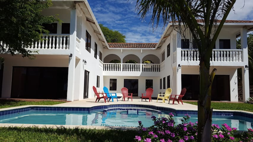 Playa Coco 88 - Dream Villa On A Beautiful Beach