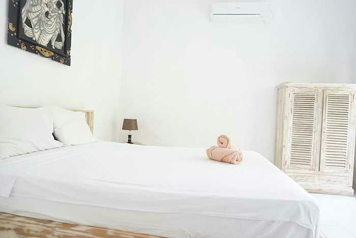 Clean room with swimming pool AC and Hot Water 3