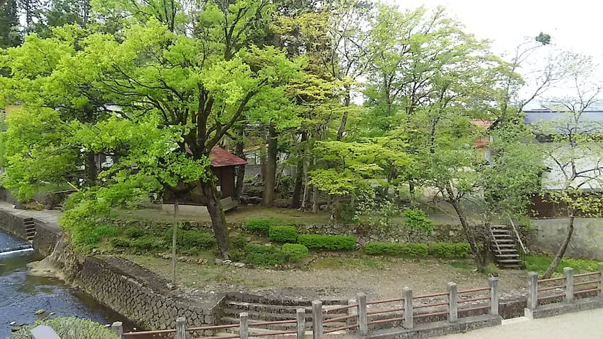 TAKANOYU-Hanare , Historical garden in the window!