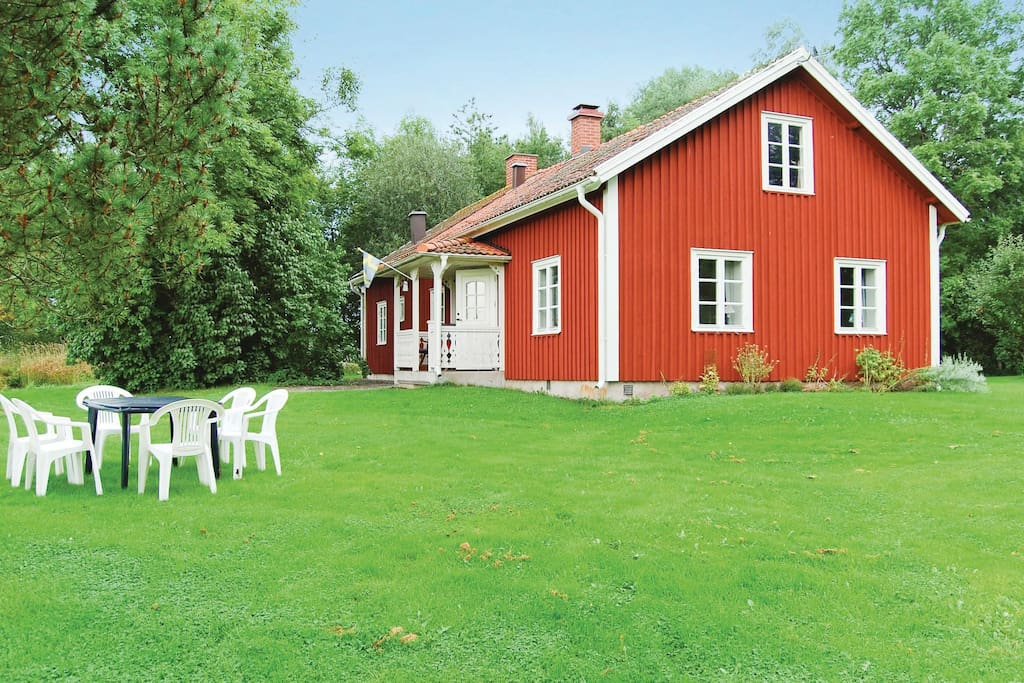 holiday cottage with 3 bedrooms on 100 m in vara h user zur miete in vara schweden. Black Bedroom Furniture Sets. Home Design Ideas