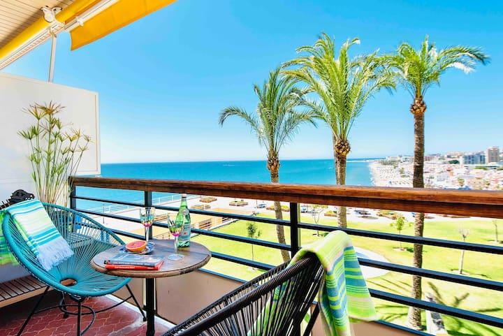 Torremolinos studio with Carihuela seashore views.