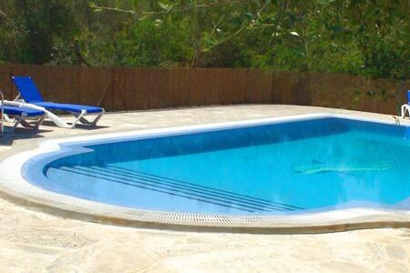 M4V2960 Villa mit Pool bei Campos; max. 3 Personen - Campos
