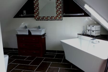 Stunning Ensuite Loft Double Room - Mortimer