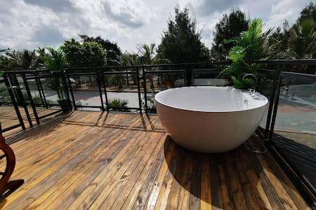 上川岛飞沙滩-两房一厅套房 门前沙滩 厨房 户外浴缸 巨幕投影