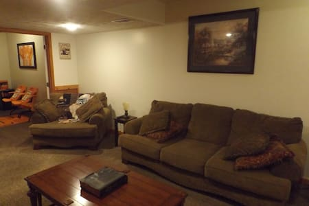 3 Miles Away from Bristol Motor Speedway - Bluff City - House
