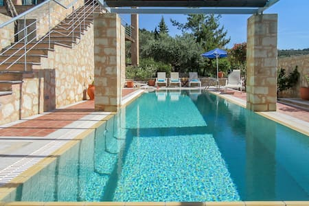 Aphrodite - luxury villa with private pool - Gavalochori