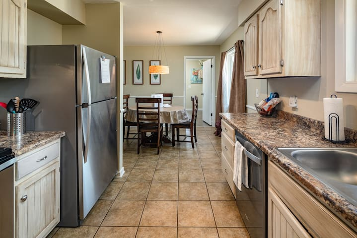 Newly renovated Kitchen with all necessities (Blender, Microwave, Crock Pot, Pots and Pans etc...)