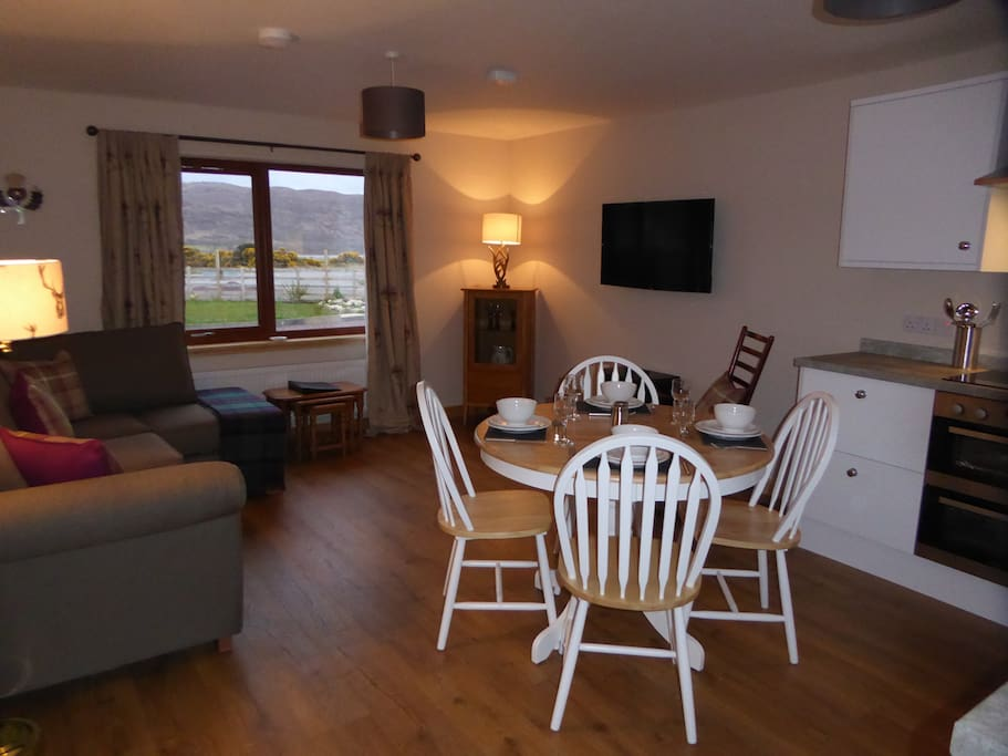 Comfortable and well equipped kitchen/lounge area.