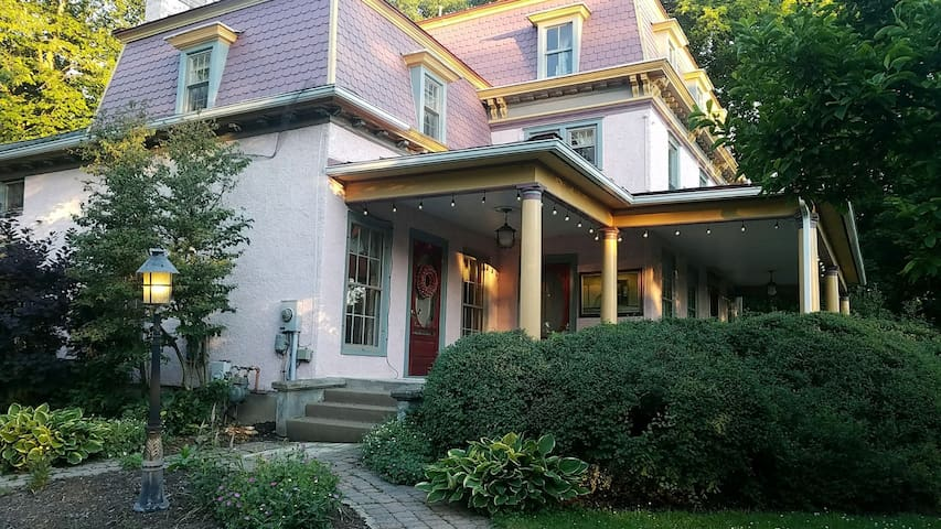 Historic Victorian on Keuka Lake