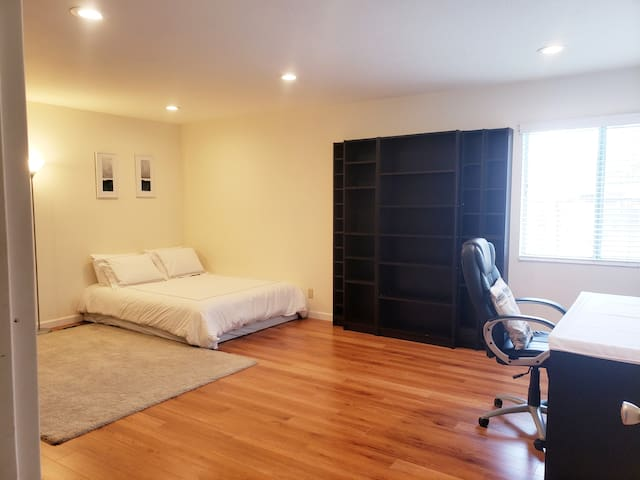 (9) Cozy Private Room in Mt View!