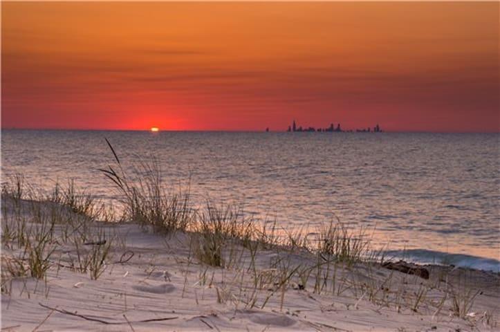 4 bedroom beach rental on Lake Michigan