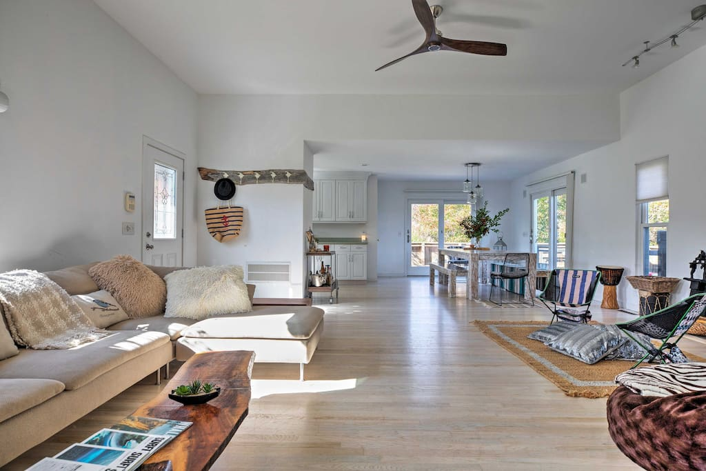 Fall in love with 1,300 square feet of an open-concept, modern living space.