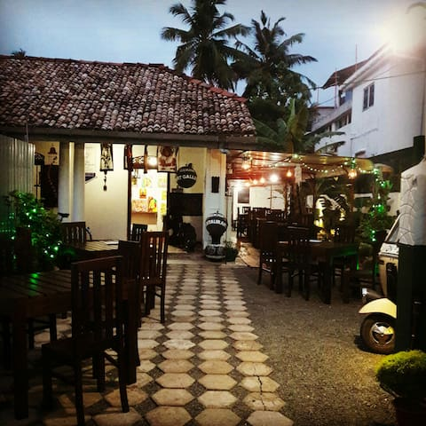Rekha Art Galary & Restaurant