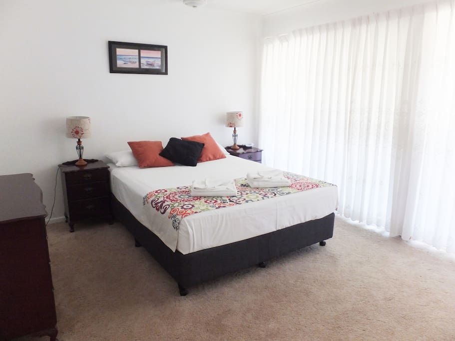 Townhouse unit with large main Bedroom