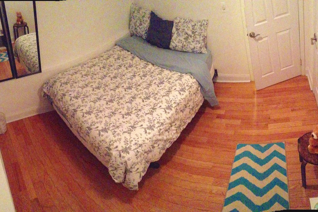 Bedroom and fancy patterned linens so fancy
