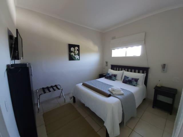 Smaller en-suite room