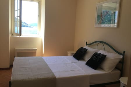 7 HILLS Vila Perast-standard room sea view - Perast - Bed & Breakfast