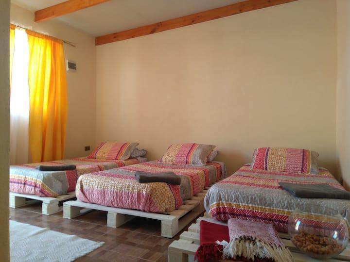 Ckuru Expedition & Guesthouse (Room Lascar)