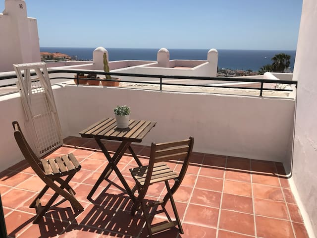 Lovely apartment with great view in Tenerife South