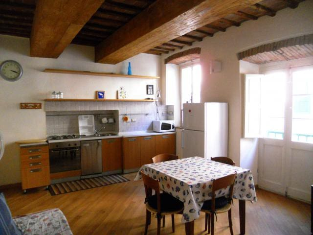 In the old town near the harbour - Apartment Il Vicinato
