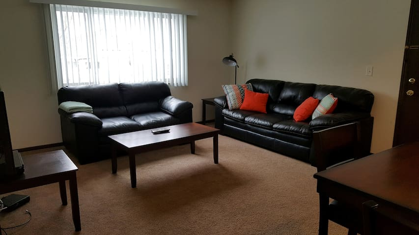 1br/1ba Private Apartment #98-4
