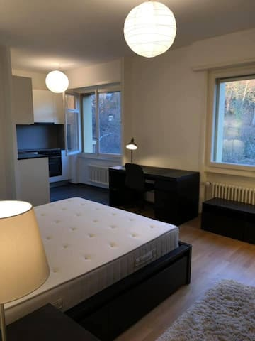 Modern studio furnished, 5 min from city center.