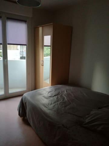 Room calme and luminous