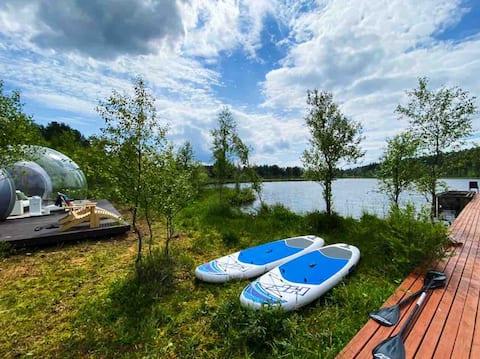 Bubble hotel на берегу частного озера