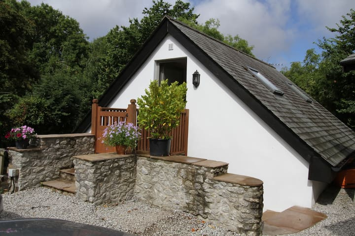 Self contained annexe on edge of Mullion Village