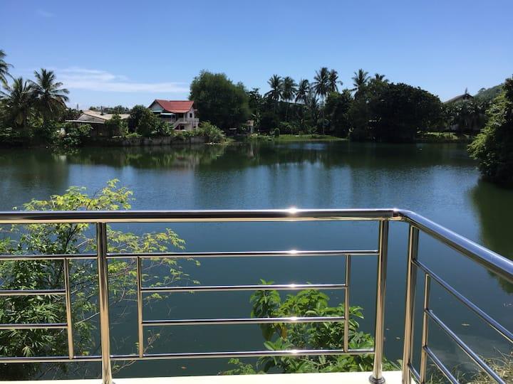 Сдается двуспальный дом на озере, Камала.