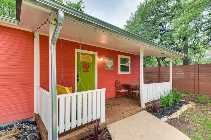 Eclectic Guest Cabin - Downtown Dripping Springs